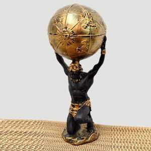 Dekoratif Dünyayı Taşıyan Atlas Biblo - Thumbnail