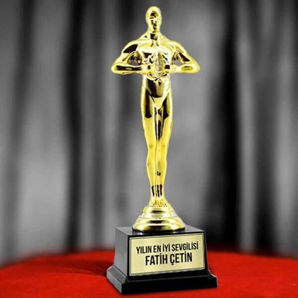 Sevgiliye Hediye Yılın Oscar Ödülü